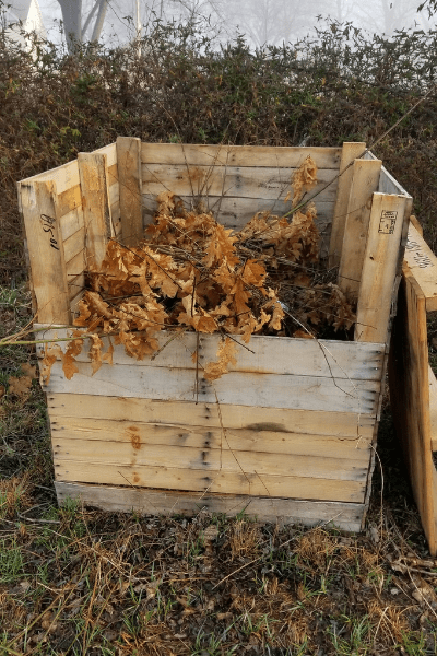how to layer compost for beginners, best compost bins, easy compost bins, homemade compost bins